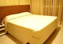 舒适村庄酒店 - 若昂佩索阿 - 睡房
