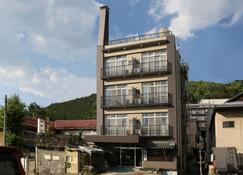 岛屋旅馆 - 山之內町 - 建筑