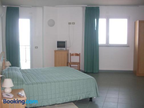 索乐亚多酒店 - 阿尔盖罗 - 睡房