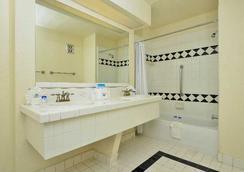 拉斯维加斯美洲最优价值套房酒店 - 拉斯维加斯 - 浴室