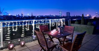 伦敦维多利亚公园广场酒店 - 伦敦 - 阳台