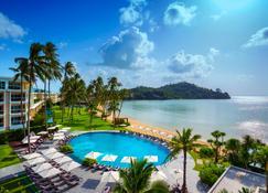 普吉岛攀瓦角海滨度假村 - 威七 - 游泳池