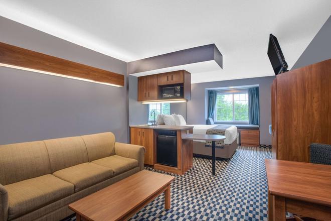 多佛麦克罗特套房酒店 - 多佛尔 - 客厅