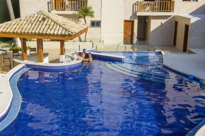 斯特朗德酒店 - 瓜鲁雅 - 游泳池