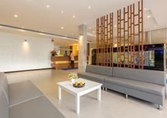 芭东海湾度假酒店 - 芭东 - 大厅