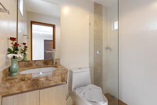 芭东海湾度假酒店 - 芭东 - 浴室