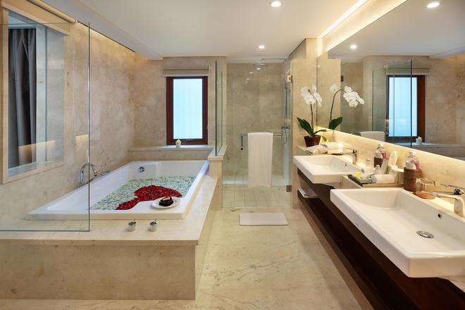 乌布皇家卡美拉酒店 - 乌布 - 浴室