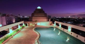 卡曼尼皇宫酒店 - 曼谷 - 游泳池