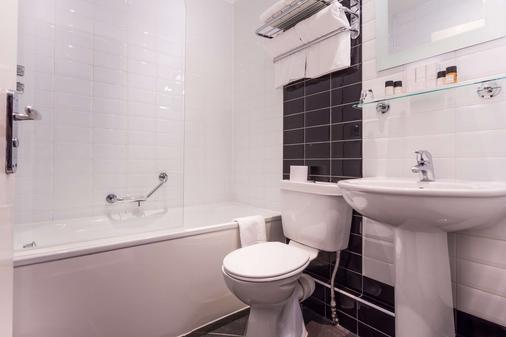 皇家驿站酒店 - 泰恩河畔纽卡斯尔 - 浴室