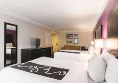 圣安东尼奥市区昆塔套房旅馆 - 圣安东尼奥 - 睡房