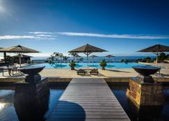 三卡拉屋久岛Spa酒店 - 屋久岛町 - 游泳池