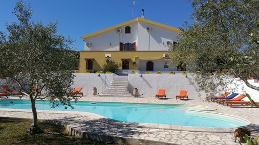 伊尔索尼诺迪阿尔盖罗酒店 - 阿尔盖罗 - 游泳池