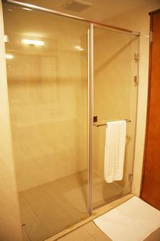 台南富信大饭店 - 台南 - 浴室
