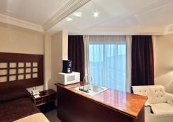 最佳西方托卢卡酒店 - 托卢卡 - 睡房
