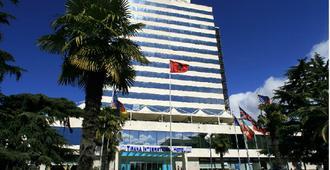 地拉那国际酒店及会议中心 - 地拉那 - 建筑