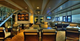 宿务帕克兰国际大酒店 - 宿务 - 餐馆