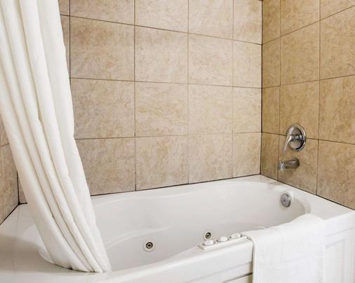 圣克莱门特海滩罗德威宾馆 - 圣克莱门特 - 浴室