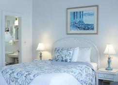 红马宾馆 - 法尔茅斯 - 睡房