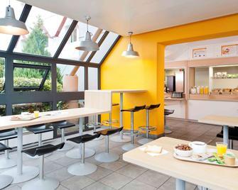 瓦讷 F1 酒店 - 翻新 - 瓦纳 - 餐馆