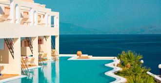 米特西斯家庭村海滩酒店 - 卡达麦纳 - 游泳池