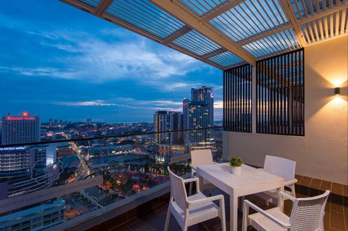 马六甲松树酒店 - 马六甲 - 阳台