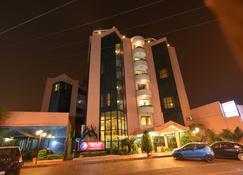 豪斯茵公寓式酒店 - 圣克鲁斯 - 建筑