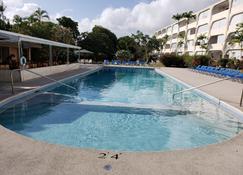黄金景观公寓酒店 - 圣詹姆斯 - 游泳池