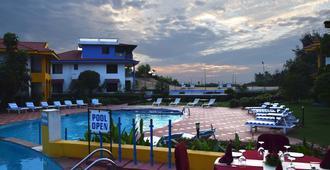 觀海度假村 - 柯瓦 - 游泳池