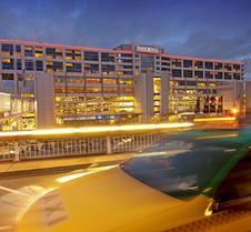 墨尔本机场宾乐雅酒店