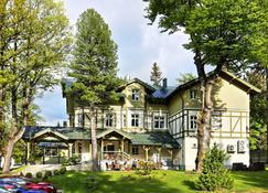 巴萨诺瓦美容护肤酒店 - 斯克拉斯卡波伦巴 - 建筑