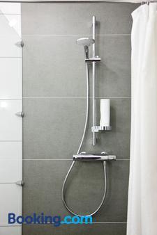 伽登乡村小别墅公寓式酒店 - 德累斯顿 - 浴室