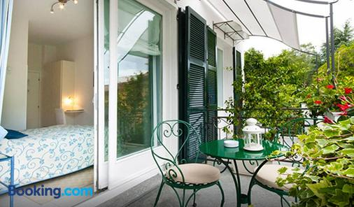 米拉拉格住宿加早餐旅馆及公寓式酒店 - 贝拉吉奥 - 阳台