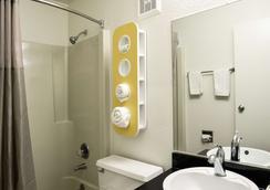 托莱多6号汽车旅馆 - 托莱多 - 浴室