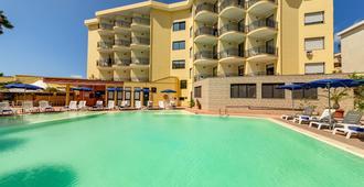 丽娜酒店 - 阿尔盖罗 - 游泳池