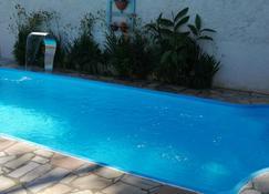 贝拉帕拉提旅馆 - 帕拉蒂 - 游泳池