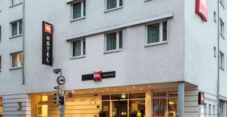 斯图加特市中心宜必思酒店 - 斯图加特 - 建筑