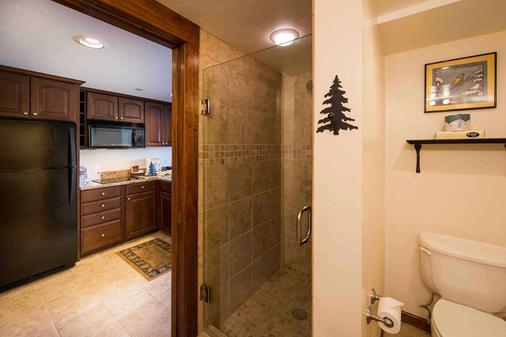 比弗运行度假酒店 - 布雷肯里奇 - 浴室