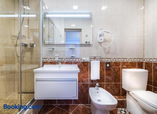 泽梅特斯酒店 - 维尔纽斯 - 浴室