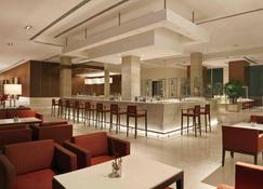 古尔冈奥博罗伊酒店 - 古尔冈 - 酒吧