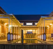河流隧道旅馆