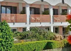 玛蕾露娜酒店 - 卡斯特拉巴特 - 建筑
