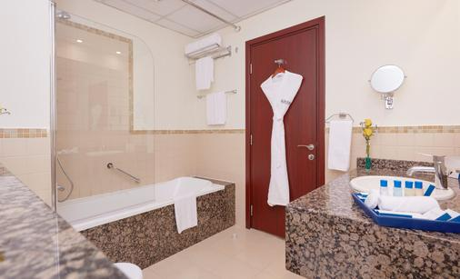 朱美拉海滩安瓦吉套房酒店 - 迪拜 - 浴室