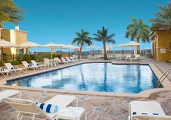 朱美拉海滩安瓦吉套房酒店 - 迪拜 - 游泳池