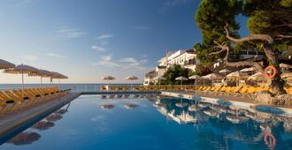 H 顶级卡莱塔宫酒店 - 萨卡罗 - 游泳池