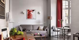 阿达吉奥斯塔伯格广场克雷贝城市公寓酒店 - 斯特拉斯堡 - 客厅