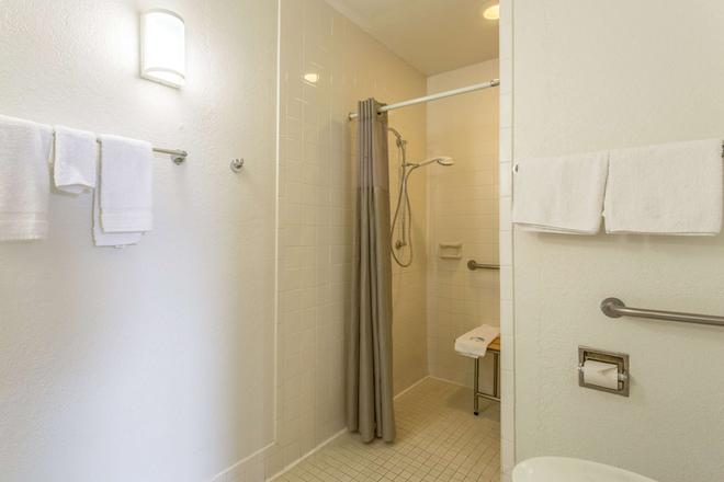 阿尔伯克基南 - 机场6号汽车旅馆 - 阿尔伯克基 - 浴室