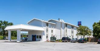 康瑟尔布拉夫斯6号汽车旅馆 - 康瑟尔布拉夫斯 - 建筑