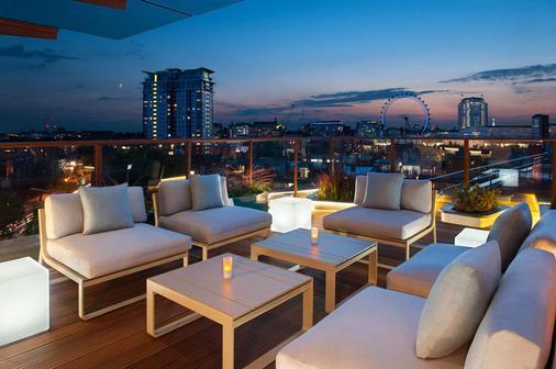 H10伦敦滑铁卢酒店 - 伦敦 - 阳台