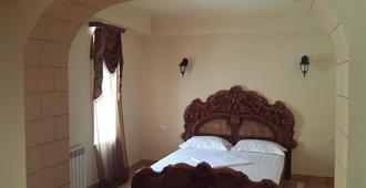威尼斯宫殿酒店 - 埃里温 - 睡房