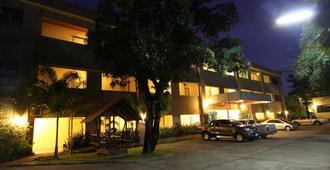 斯瑞酒店 - 乌汶